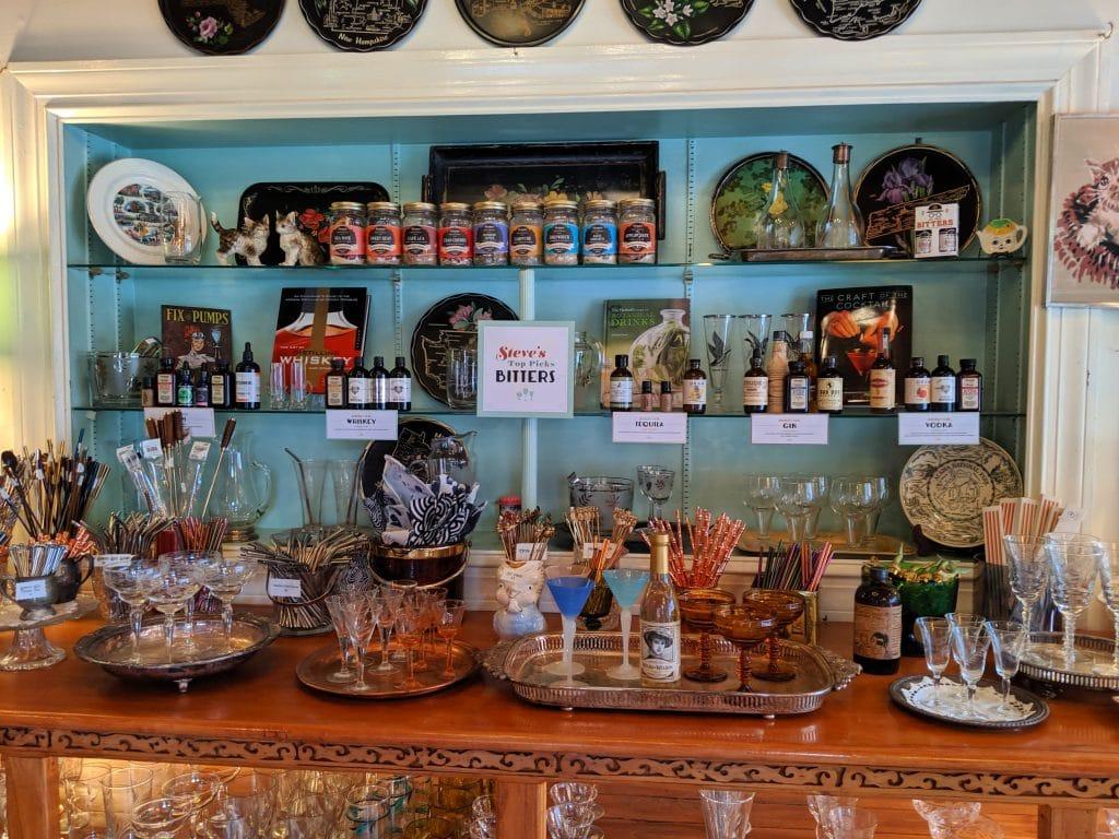 cocktail shops vena's fizz house in portland maine