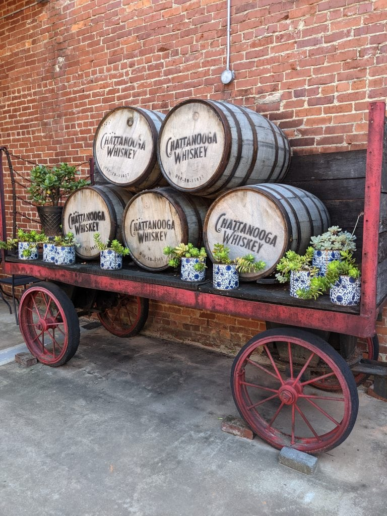chattanooga whiskey barrels in a wagon
